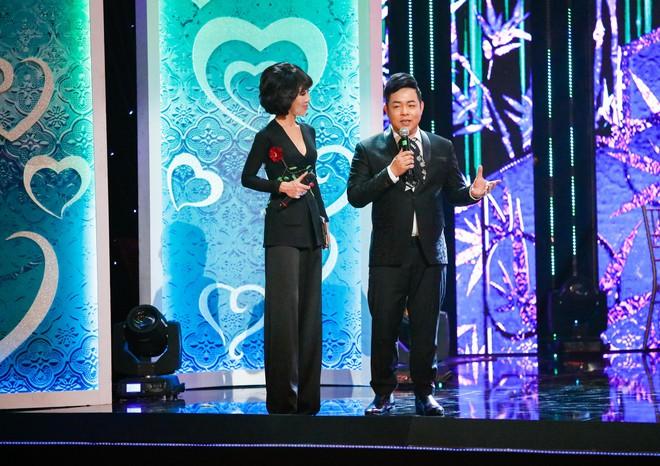 Anh trai ruột Quang Lê gây chú ý khi khoe giọng hát trước đám đông - Ảnh 8.