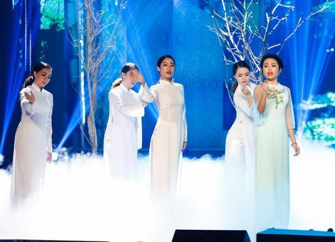 Anh trai ruột Quang Lê gây chú ý khi khoe giọng hát trước đám đông - Ảnh 18.