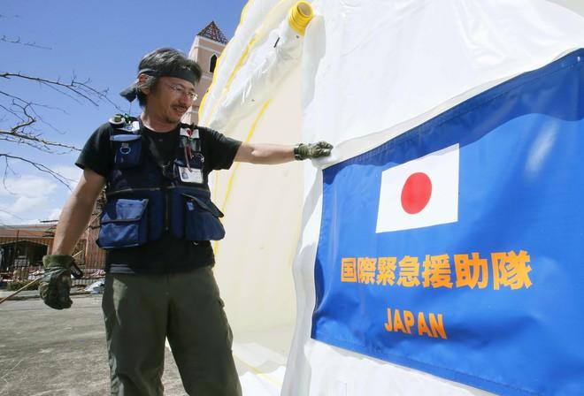 Đuối hơn Trung Quốc, Nhật Bản tính kế đổi cách sử dụng viện trợ phát triển - Ảnh 1.