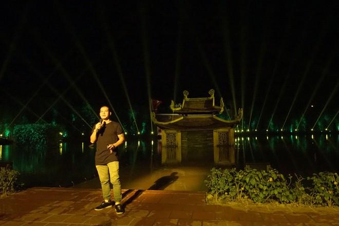 Lùm xùm dự án với chúa đảo Tuần Châu, đạo diễn Việt Tú: Họ luôn tấn công tôi trước - Ảnh 2.