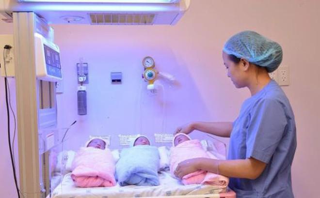 'Đánh đu' tính mạng của mẹ và bé khi sinh theo trào lưu 'thuận tự nhiên'