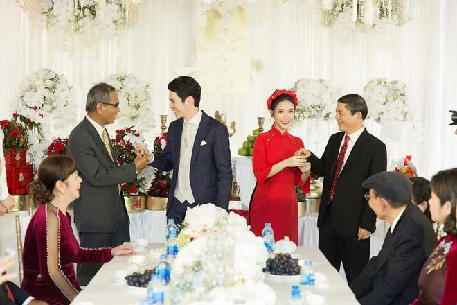 Mai Hồ công khai loạt khoảnh khắc ngọt ngào với chồng sắp cưới trong lễ đính hôn - Ảnh 2.