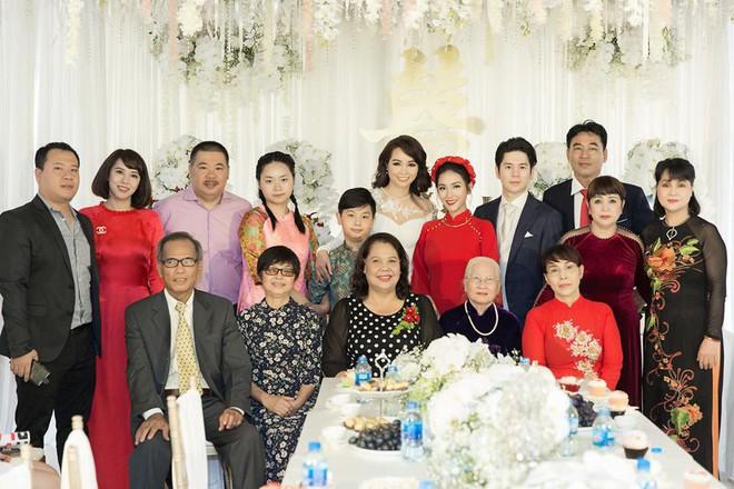 Mai Hồ công khai loạt khoảnh khắc ngọt ngào với chồng sắp cưới trong lễ đính hôn - Ảnh 4.