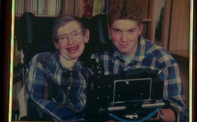 Sự nghiệp ba người con của Stephen Hawking - kết tinh tình yêu của giáo sư và vợ đầu - Ảnh 8.