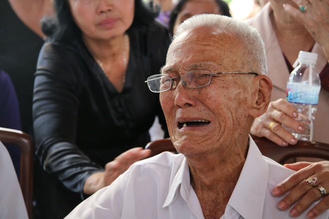 Bạn thời thơ ấu bật khóc kể kỷ niệm với nguyên Thủ tướng Phan Văn Khải - Ảnh 3.
