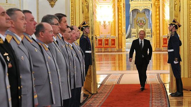 Tổng thống Putin sở hữu những siêu quyền lực gì? - Ảnh 2.
