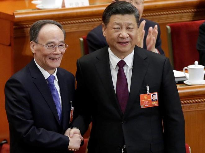 Đại biểu Trung Quốc rơi lệ khi ông Tập Cận Bình tuyên thệ nhậm chức Chủ tịch nước - Ảnh 8.