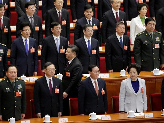 Đại biểu Trung Quốc rơi lệ khi ông Tập Cận Bình tuyên thệ nhậm chức Chủ tịch nước - Ảnh 6.