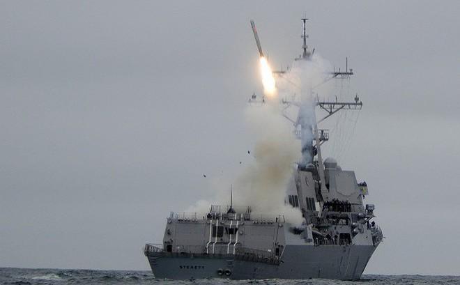 """Mỹ chỉ """"dọa"""" chứ không dám tấn công Tomahawk vào Syria?"""