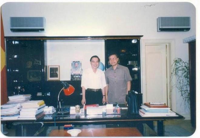 Đại sứ Nguyễn Quang Khai kể về hành trình hơn 1.000km trên xe buýt từ Iraq với Thủ tướng Phan Văn Khải - Ảnh 4.