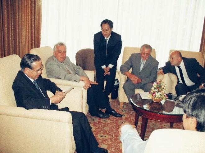 Đại sứ Nguyễn Quang Khai kể về hành trình hơn 1.000km trên xe buýt từ Iraq với Thủ tướng Phan Văn Khải - Ảnh 6.