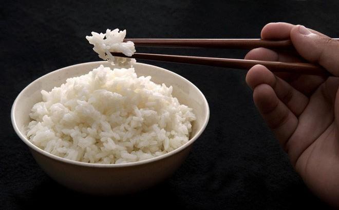 Giải pháp để ăn cơm thoải mái không bị tăng cân: Áp dụng được bạn sẽ có vóc dáng lý tưởng