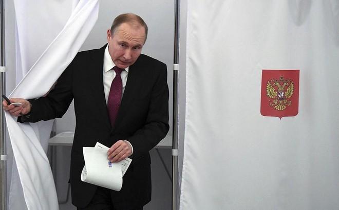 Bầu Tổng thống Nga: Ai đi bầu được mua thực phẩm giảm giá 30%, đi taxi miễn phí
