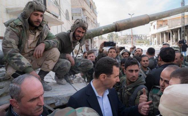 Tổng thống Syria táo bạo xuất hiện ở Đông Ghouta: Thách thức tên lửa Tomahawk của Mỹ?