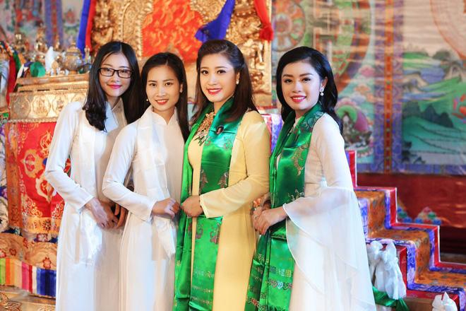 Sao Mai Thu Hằng trong trẻo, thoát tục hát nhạc Phật - Ảnh 6.