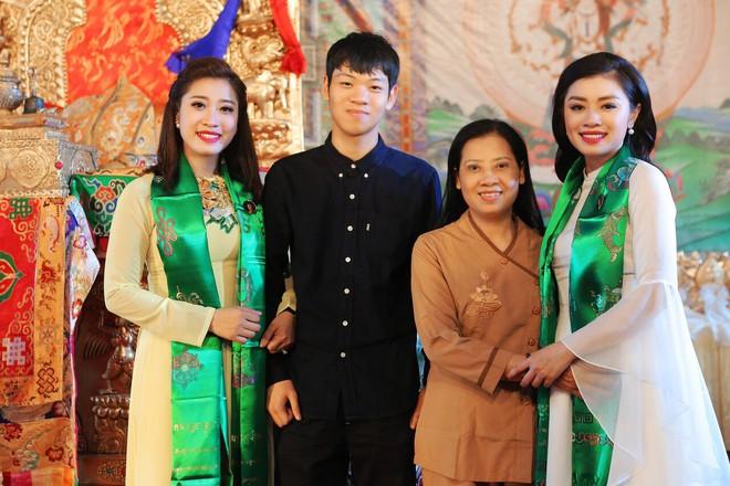 Sao Mai Thu Hằng trong trẻo, thoát tục hát nhạc Phật - Ảnh 7.