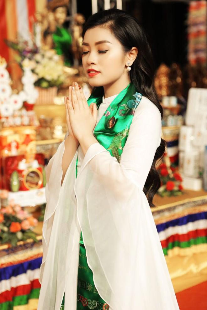 Sao Mai Thu Hằng trong trẻo, thoát tục hát nhạc Phật - Ảnh 3.