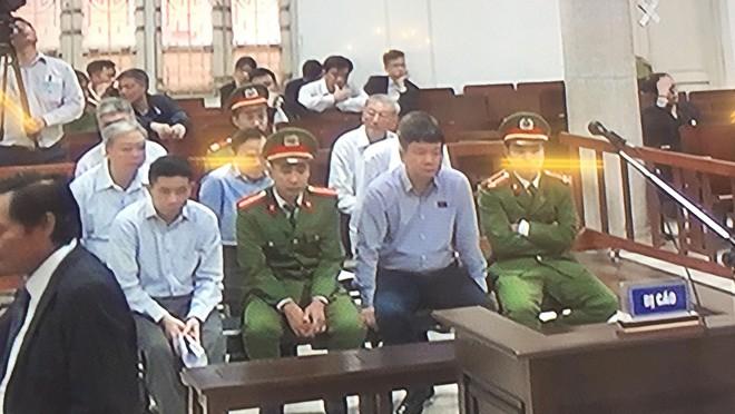Xử vụ PVN thất thoát 800 tỷ đồng: Cách ly ông Đinh La Thăng để xét hỏi các bị cáo - Ảnh 8.