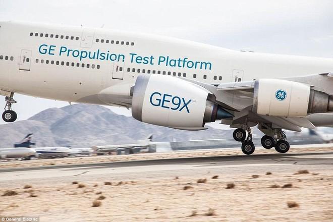 Động cơ phản lực lớn nhất thế giới của siêu máy bay Boeing  lần đầu thử sức - Ảnh 4.