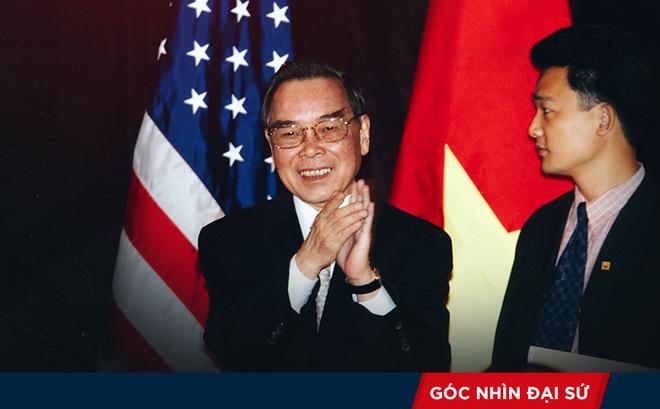 Đại sứ Nguyễn Quang Khai kể về hành trình hơn 1.000km trên xe buýt từ Iraq với Thủ tướng Phan Văn Khải