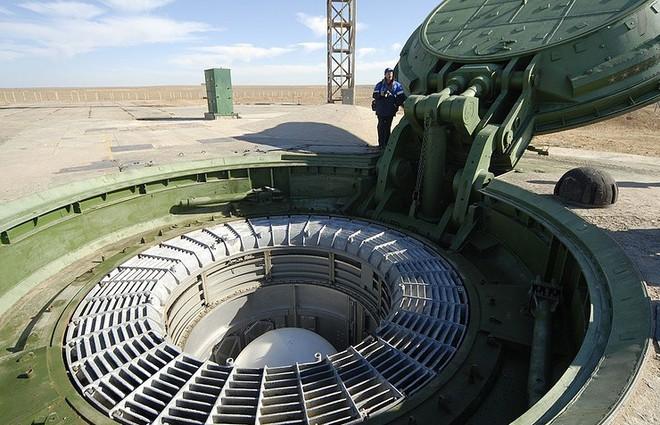 """Ông Putin: Mỹ hãy lắng nghe đây, RS-28 Sarmat là tên lửa """"không thể đánh bại""""! - Ảnh 3."""