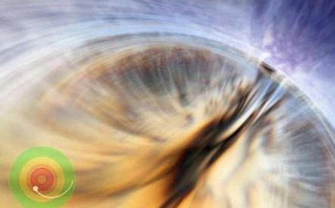 """Sống sót và thậm chí là """"bất tử"""" là những gì sẽ xảy ra khi rơi vào loại hố đen đặc biệt này"""