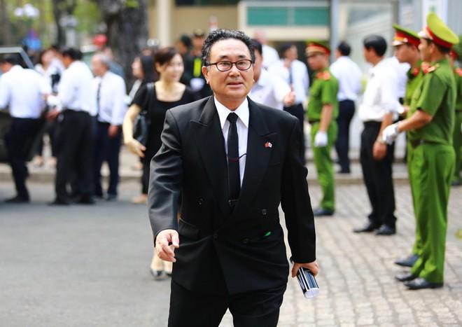Nhiều đoàn ngoại giao đến viếng cố Thủ tướng Phan Văn Khải - Ảnh 2.
