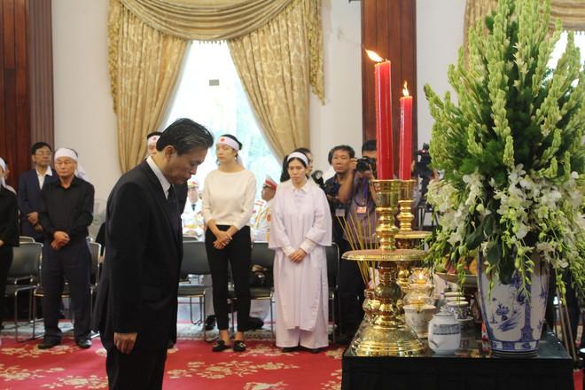 Nhiều đoàn ngoại giao đến viếng cố Thủ tướng Phan Văn Khải - Ảnh 7.