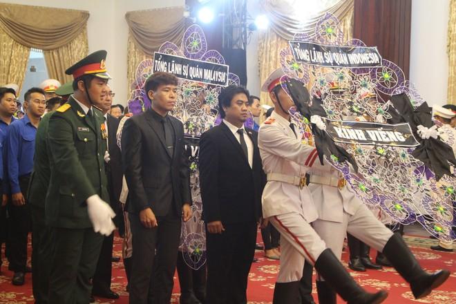 Nhiều đoàn ngoại giao đến viếng cố Thủ tướng Phan Văn Khải - Ảnh 12.