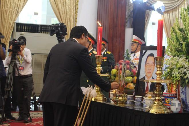Nhiều đoàn ngoại giao đến viếng cố Thủ tướng Phan Văn Khải - Ảnh 13.