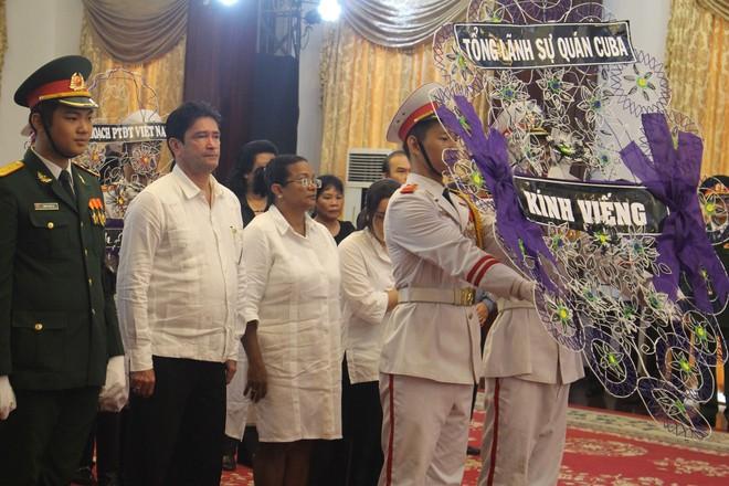 Nhiều đoàn ngoại giao đến viếng cố Thủ tướng Phan Văn Khải - Ảnh 6.