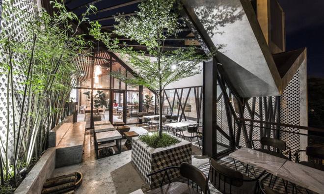 Quán cà phê Việt Nam được báo nước ngoài ví như vườn treo Babylon thời hiện đại - Ảnh 12.
