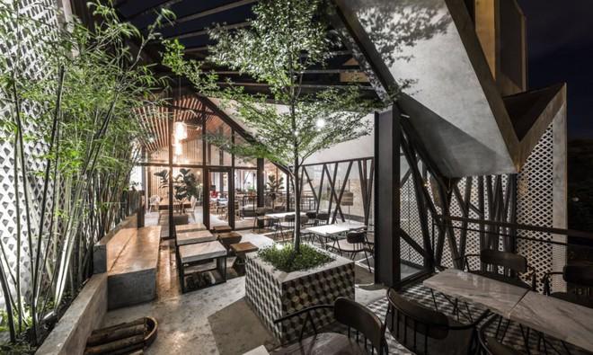 Quán cà phê Việt Nam được báo nước ngoài ví như vườn treo Babylon thời hiện đại - Ảnh 13.