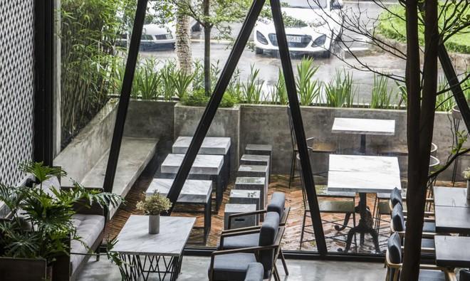 Quán cà phê Việt Nam được báo nước ngoài ví như vườn treo Babylon thời hiện đại - Ảnh 4.