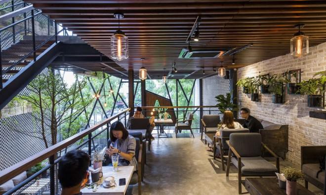 Quán cà phê Việt Nam được báo nước ngoài ví như vườn treo Babylon thời hiện đại - Ảnh 6.