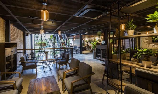 Quán cà phê Việt Nam được báo nước ngoài ví như vườn treo Babylon thời hiện đại - Ảnh 7.