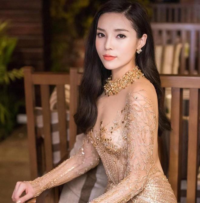 Nhan sắc ngày càng khác lạ của Hoa hậu Kỳ Duyên - Ảnh 1.