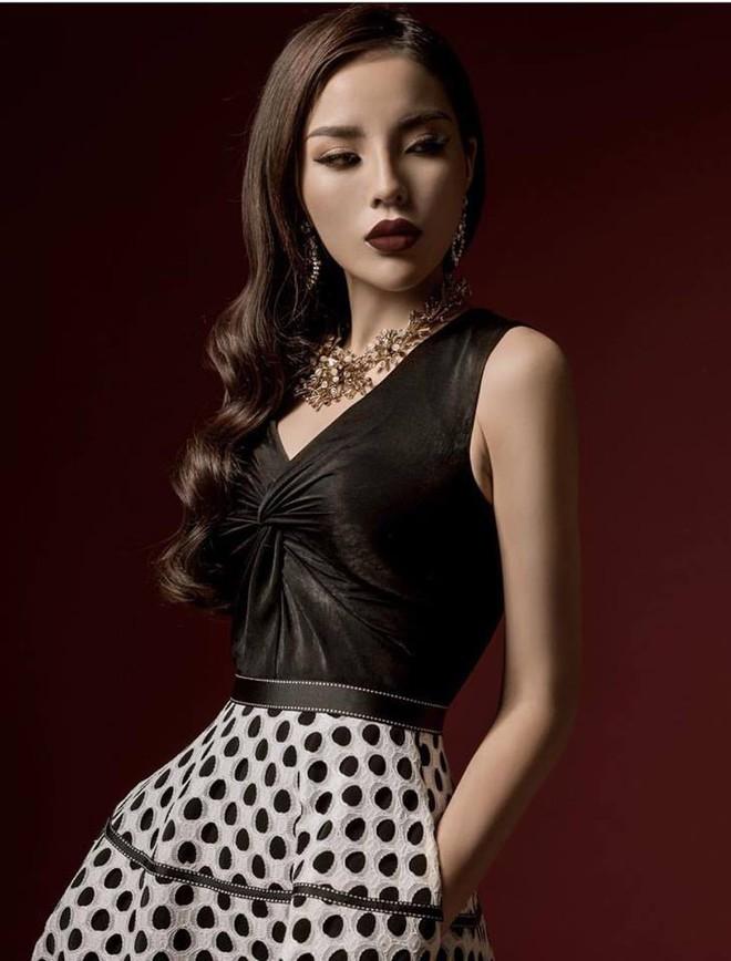 Nhan sắc ngày càng khác lạ của Hoa hậu Kỳ Duyên - Ảnh 2.