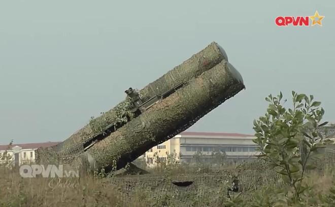 Việt Nam tích hợp thành công thiết bị tự chế tạo cho tên lửa phòng không S-300PMU1