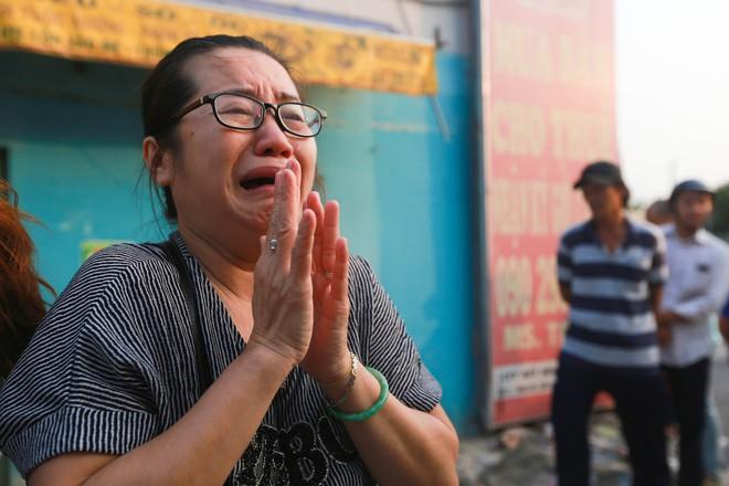 Cư dân Carina làm lễ cầu siêu cho 13 nạn nhân tử vong trong vụ cháy - Ảnh 10.