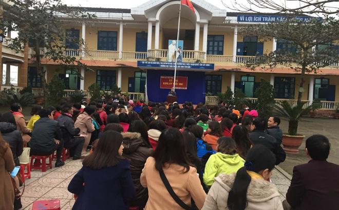 """Hiệu trưởng """"ém"""" tiền ủng hộ học sinh sau sự cố Formosa nhưng vẫn kêu oan"""
