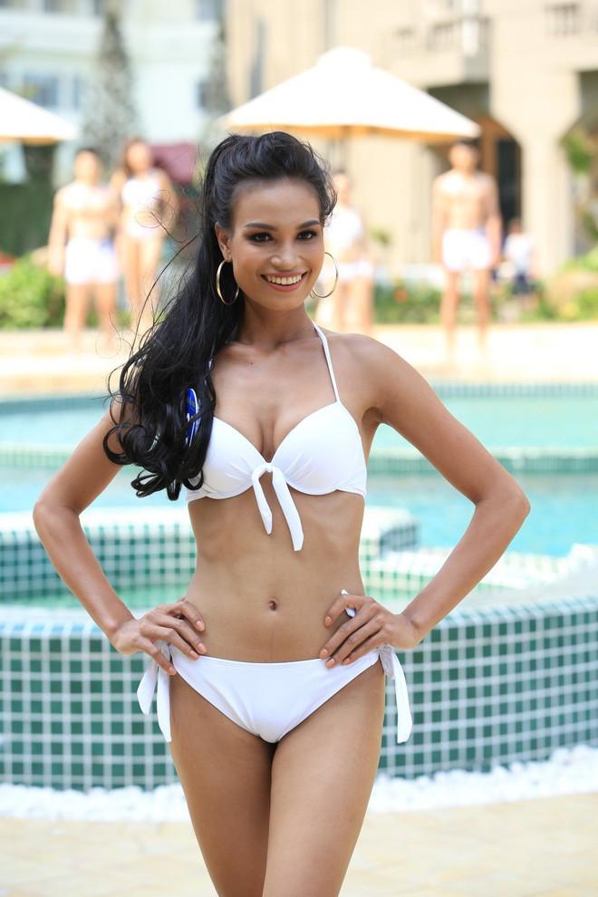 Thí sinh Người mẫu thời trang Việt Nam 2018 diện bikini quyến rũ - Ảnh 3.