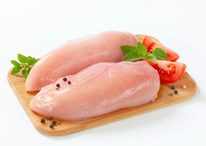 Sự thật không nhiều người biết về những miếng thịt gà có vằn trắng: Nên ăn hay nên bỏ? - Ảnh 3.