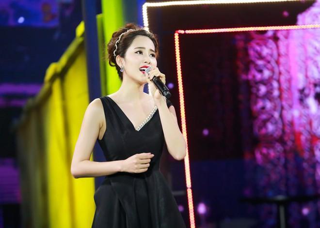 Soi ca sĩ Việt hát live: Nam Em hát Bolero không thua kém Như Quỳnh - Ảnh 3.