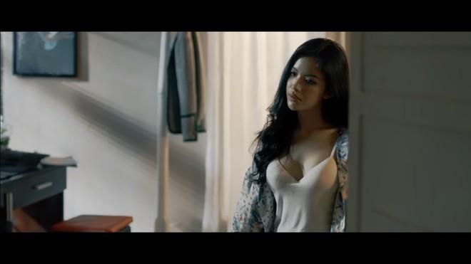 MV Người lạ ơi bản 16+: Xuất hiện nhiều cảnh nóng - Ảnh 5.