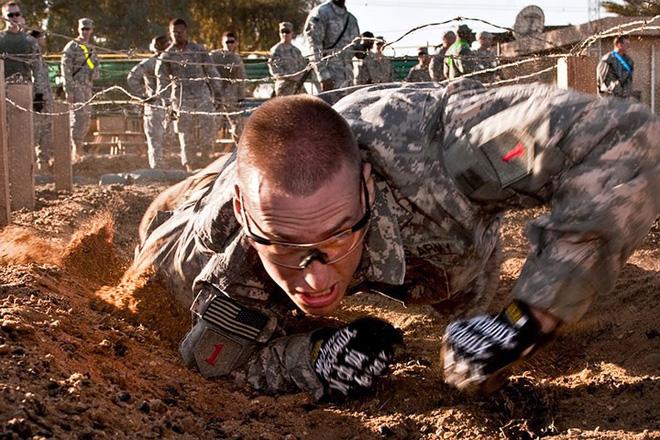 Cận cảnh binh sĩ Mỹ huấn luyện vượt mọi địa hình phức tạp - Ảnh 17.