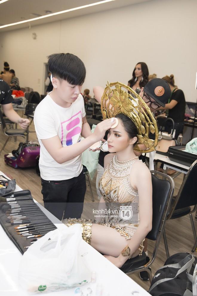 Độc quyền: Hương Giang chia sẻ cảm xúc từ Thái Lan, hé lộ hình ảnh hậu trường sau giải Tài năng tại đêm Bán kết - Ảnh 3.