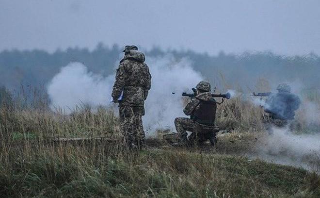 Ukraine tiết lộ thời gian Mỹ chuyển giao tên lửa chống tăng Javelin