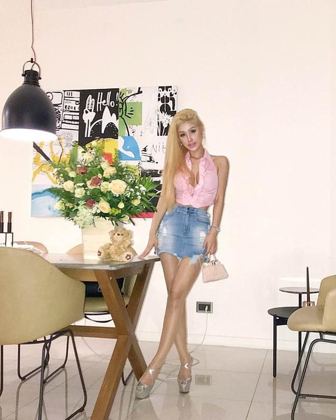 Giai nhân nóng bỏng nhất của Hà Dũng ngày càng giống búp bê Barbie - Ảnh 9.