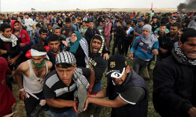 Dải Gaza: Xe tăng Israel bắn chết người Palestine, lính bắn tỉa IDF không ngừng nã đạn - Ảnh 5.